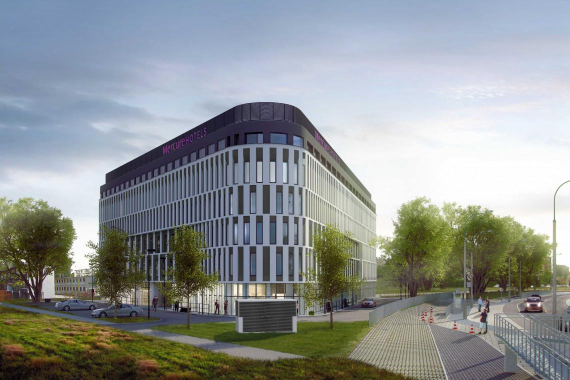 Hotel Mercure na warszawskim Ursusie w miejscu pierwszej trasy pociągu elektrycznego. To dzieło SAO Investments i db Group