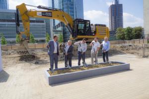 Pierwsza łopata już wbita. Wystartowała budowa wieżowca Skysawa, który stanie w centrum Warszawy