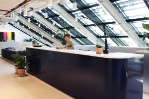 Biuro, w którym poczujesz się jak w domu. WeWork otwiera trzecią warszawską lokalizację w Hotelu Europejskim