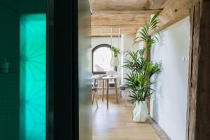 W zabytkowym spichlerzu zaprojektowali niezwykłe apartamenty na wynajem. Tu detal ma znaczenie