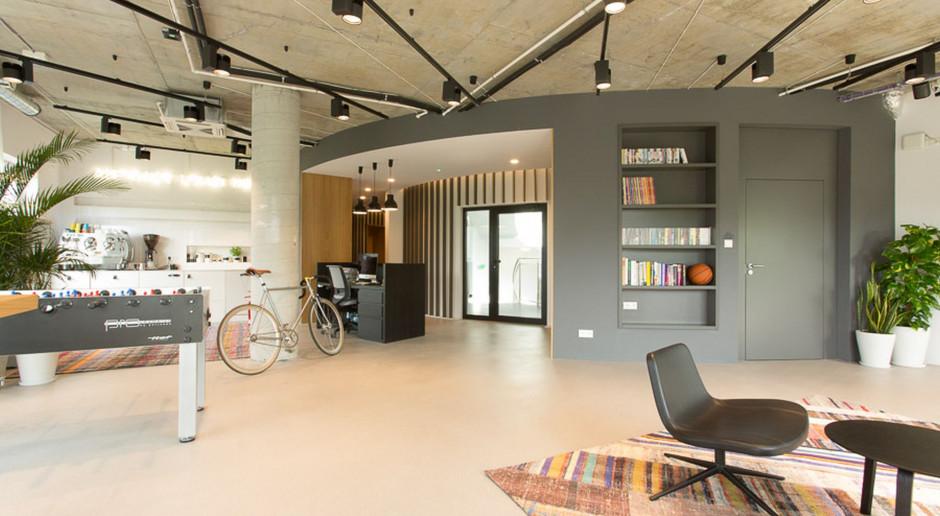Design biura stanowi istotny element wspierający wizerunek firmy