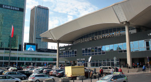 """Wystawa """"TU rodziła się Solidarność"""" w hali Dworca Centralnego w Warszawie"""