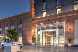 Na terenie dawnej destylarni Polmos powstaje hotel marki Mercure. To projekt IMB Asymetria