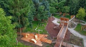 Leśny plac zabaw otwarty