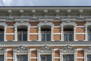 Fasada Foksal 13 odzyskała swój dawny blask.  Zrekonstruowane detale - jak przed laty