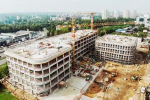DL Center Point II Katowice z wiechą. To projekt Ostrowscy Architekci