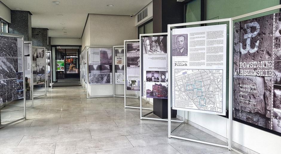 Hotel Metropol z wystawą niezwykłych dzieł Jana Pillicha