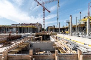 Nowa bryła handlowa spod kreski JSK Architekci pnie się w górę