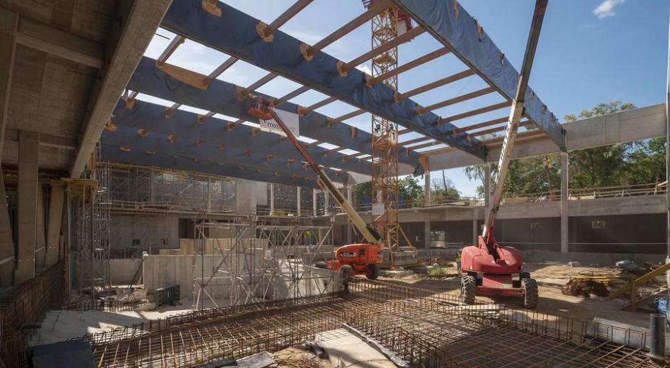Łódź buduje Orientarium. Zaczął się montaż dachu