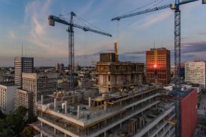 Inwestycja biurowa spod kreski PRC Architekci pnie się w górę