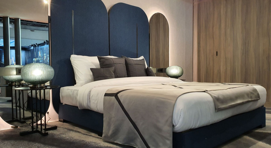 Opowieść o Dubaju. Grupa Nowy Styl zaprojektowała pokój hotelowy inspirowany metropolią
