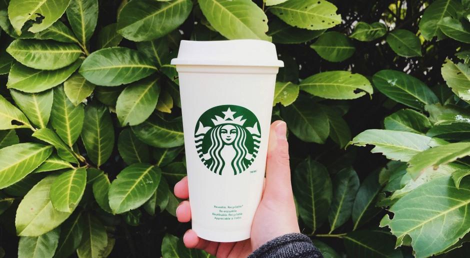 Starbucks w poszukiwaniu idealnego jednorazowego kubka