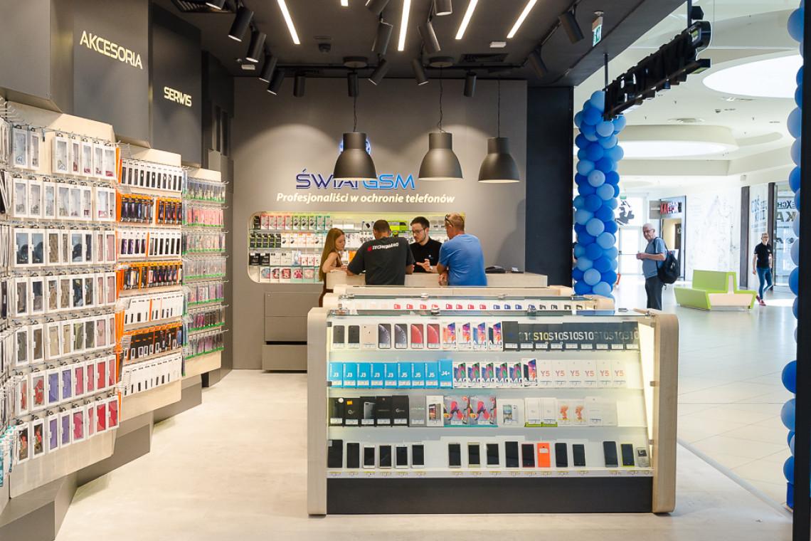 Flagowy salon Świat GSM w Manufakturze