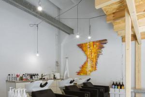 Loft Hair Emergency zachwyca designem. To projekt Poco Design
