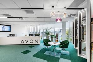 Wszystkie biura Avon w jednym miejscu. Oto dynamiczna przestrzeń pracy według Tétris