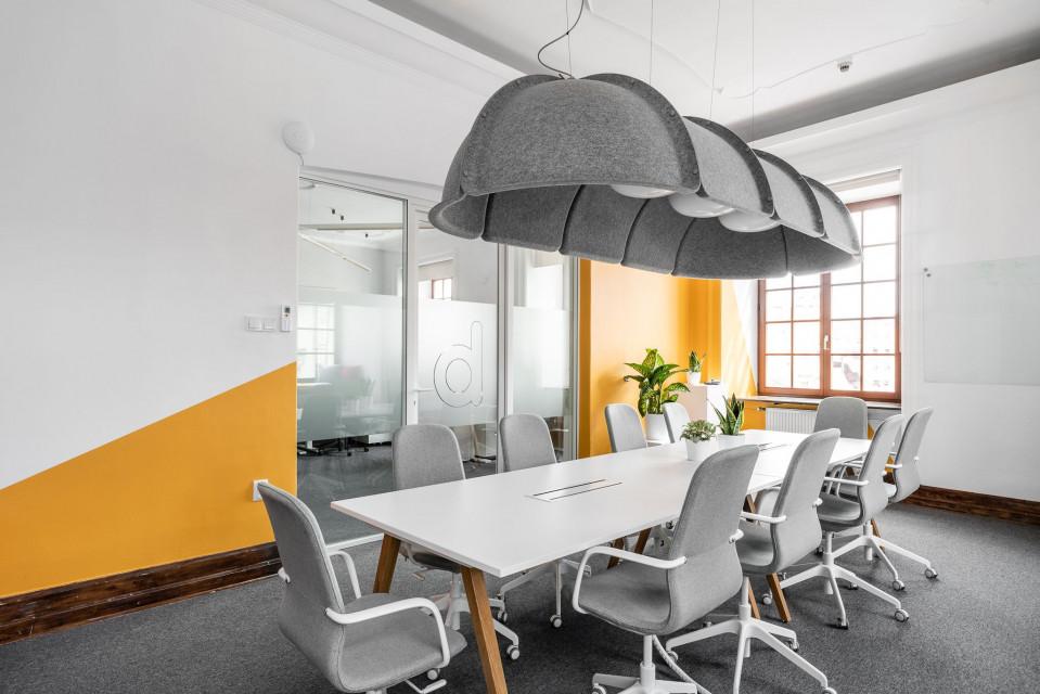 Nowe biuro Bidroom w Krakowie. To kreatywna przestrzeń łącząca nowoczesność z historycznymi walorami budynku