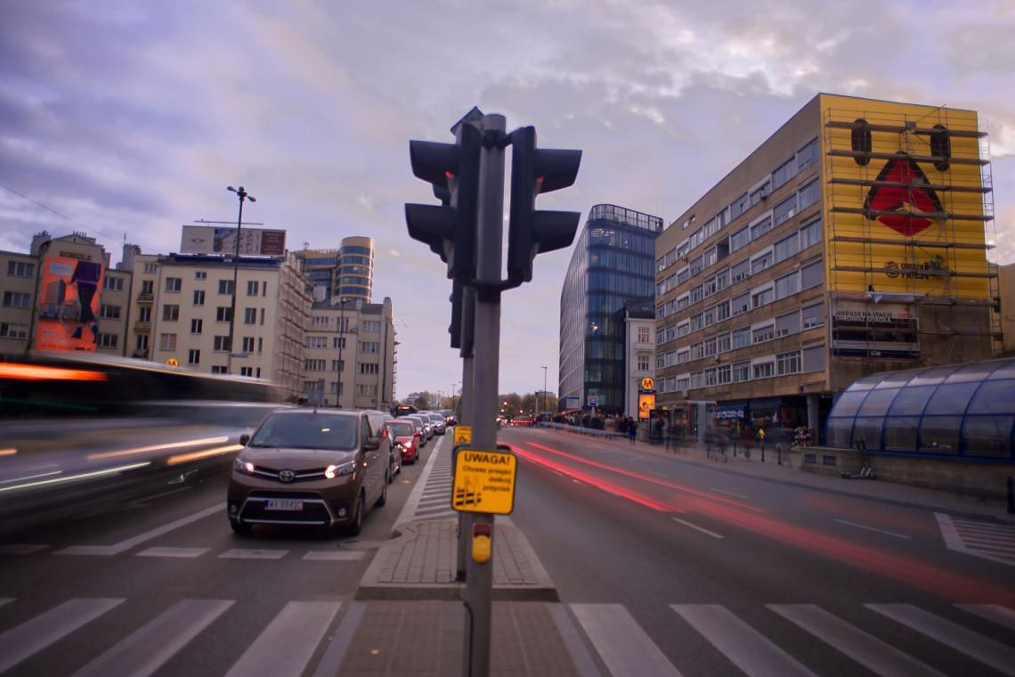 W Warszawie powstał nowy mural. Jest bardzo żółty