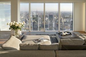 Dobry design, sztuka polskich artystów i widok z 50 piętra. Oto nowy apartament na Złotej 44