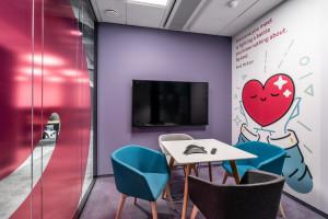 Oto nowe biuro UPC w Warszawie. Przestrzeń bez barier i w domowym stylu