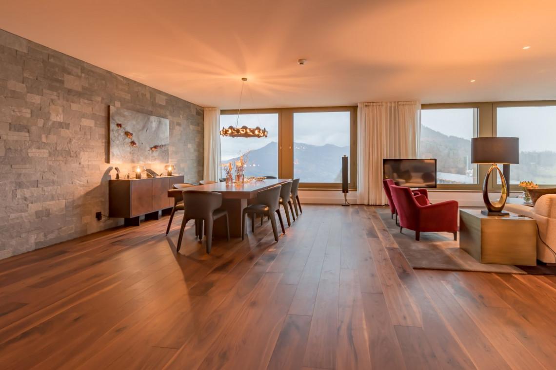 Szwajcarski styl w zabytkowym hotelu w Alpach