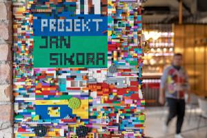 """Klocki Lego na ścianie i """"Pollock"""" na posadzce. Wyjątkowa restauracja w Gdyni już otwarta!"""