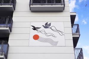 Artystyczny mural na Targówku nawiązuje do miejscowej tradycji hodowli gołębi