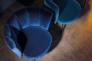 Wnętrza Classic Blue. Inspiracje w kolorze roku 2020