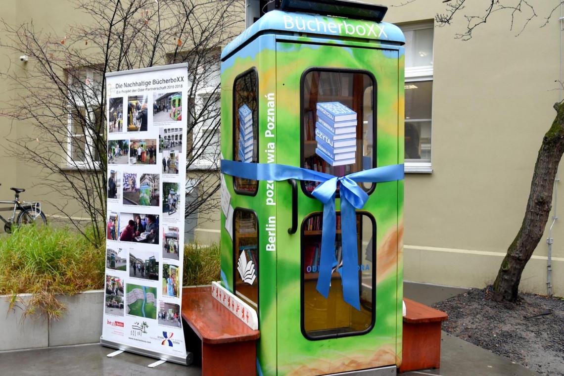 BiblioboXX, czyli berlińska budka telefoniczna w roli ulicznej biblioteki