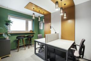 Związani są z branżą projektowania i tworzenia terenów zielonych. Nowe biuro miało być spójne z wizerunkiem firmy