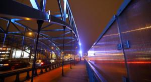 W tym tygodniu wiadukt w Gdańsku świeci na różowo