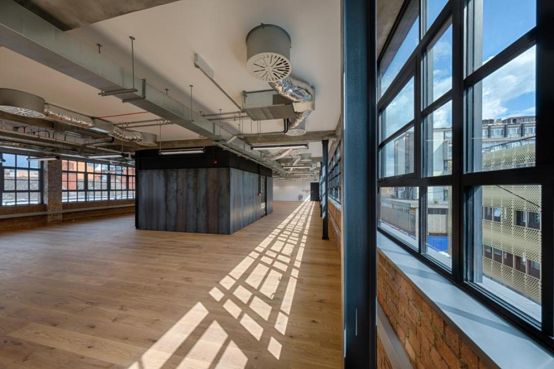 Empire House w Londynie, czyli coworkingowa przestrzeń w budynku poprzemysłowym