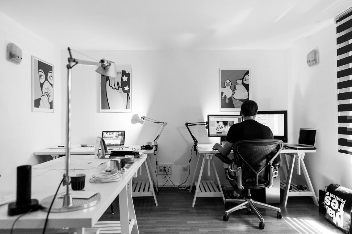Jak uniknąć błędów wybierając roletę do biura?