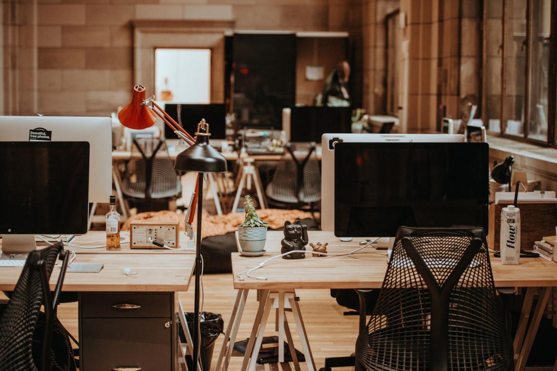 Nowoczesne biuro - jak je dobrze urządzić?