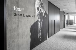 Elegancko, ale też z charakterem. Zaglądamy do nowego biura firmy Tesa w Poznaniu
