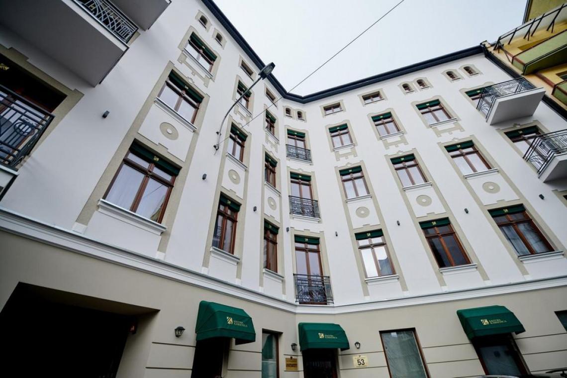 Stare Polesie w Łodzi pięknieje. Kamienice odzyskują blask, a ulice stają się zielone