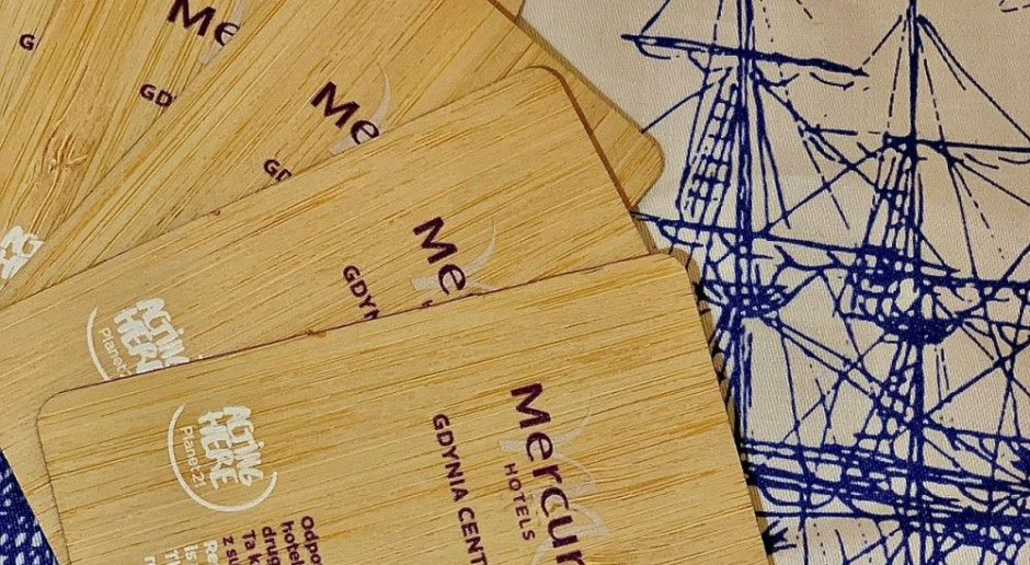 Bambusowe karty zamiast plastikowych