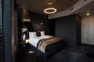 Loftowy styl, smart technologie i efekt czekolady. Oto wnętrza The Loft Hotel w Krakowie