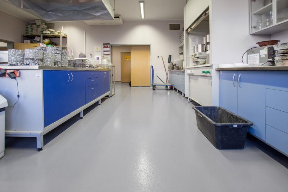 Laboratorium Drogowe GDDKiA z nowymi posadzkami