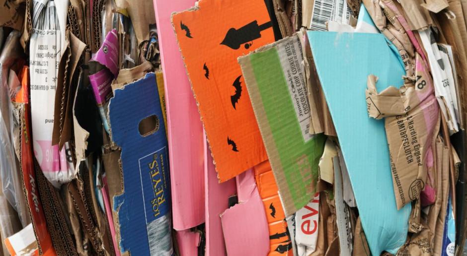 Recyklomaty mają motywować polskie społeczeństwo. Kolejne stanęły w Warszawie