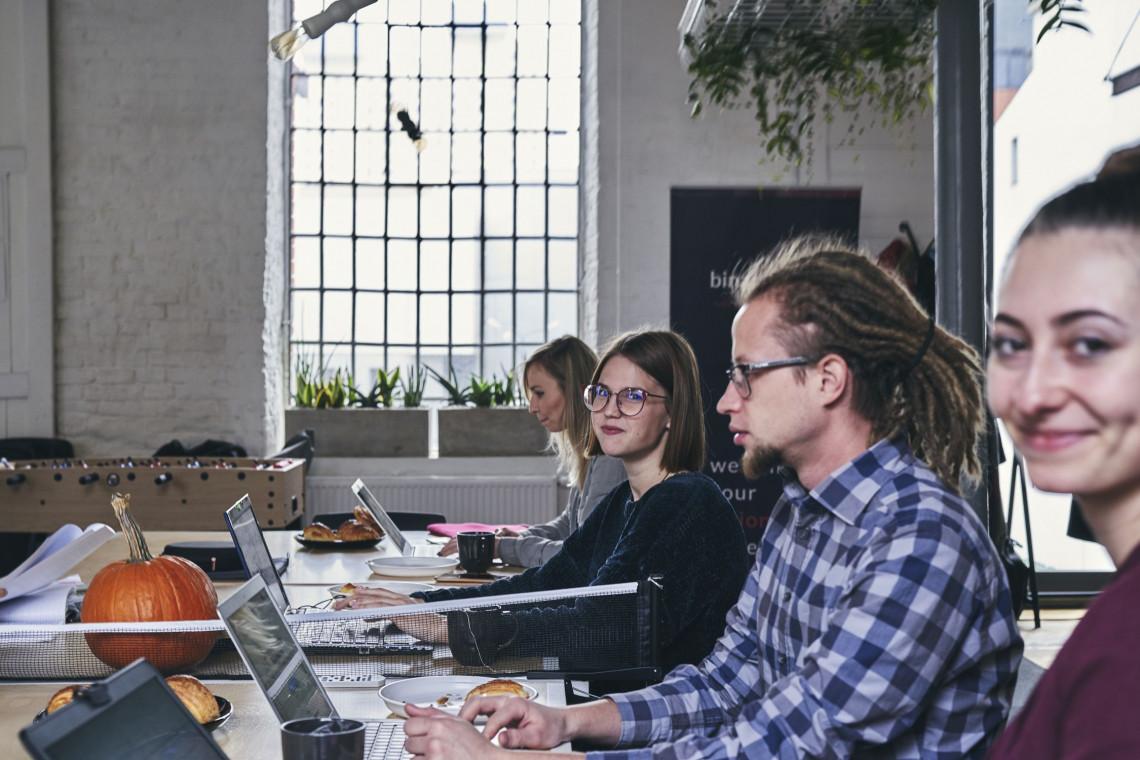 Coworking - jak w domu, ale lepiej, czyli jak zmienia się sposób korzystania z biur