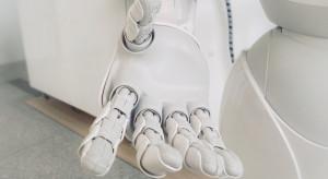 Robot z lampami UV zdezynfekuje centrum handlowe