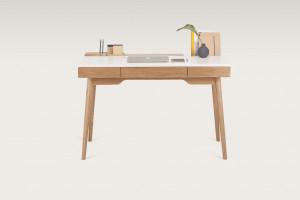 Pomysł na home office w stylu skandi. To propozycja polskiej marki