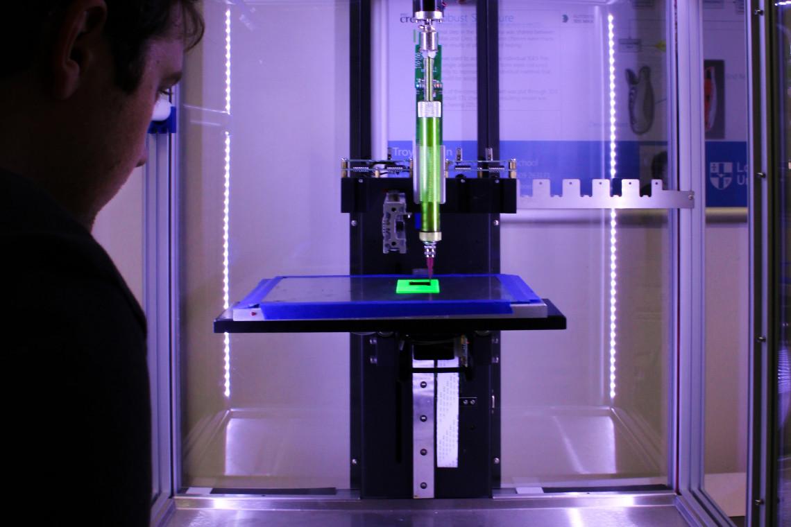 Druk 3D pomaga lekarzom walczącym z koronawirusem