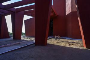 Naturalny cień i wentylacja sposobem na zrównoważony budynek