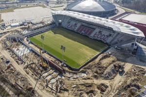 Mimo pandemii trwa budowa stadionu ŁKS w Łodzi