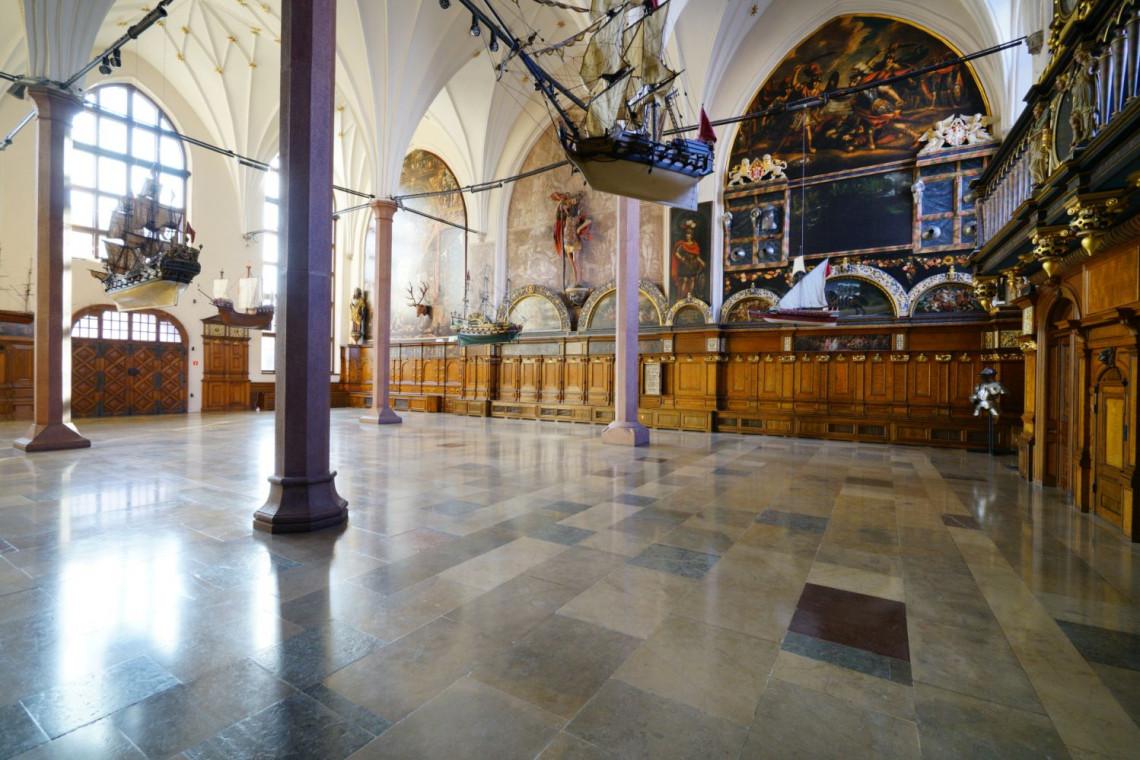 Muzeum Gdańska poszukuje wykonawców badań konserwatorskich i technologicznych obrazów z Dworu Artusa
