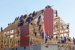 Drewno tak bezpieczne jak inne materiały budowlane, bo normy są wspólne