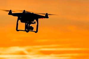 W Zielonej Górze drony pomagają sprawdzać przestrzeganie obostrzeń