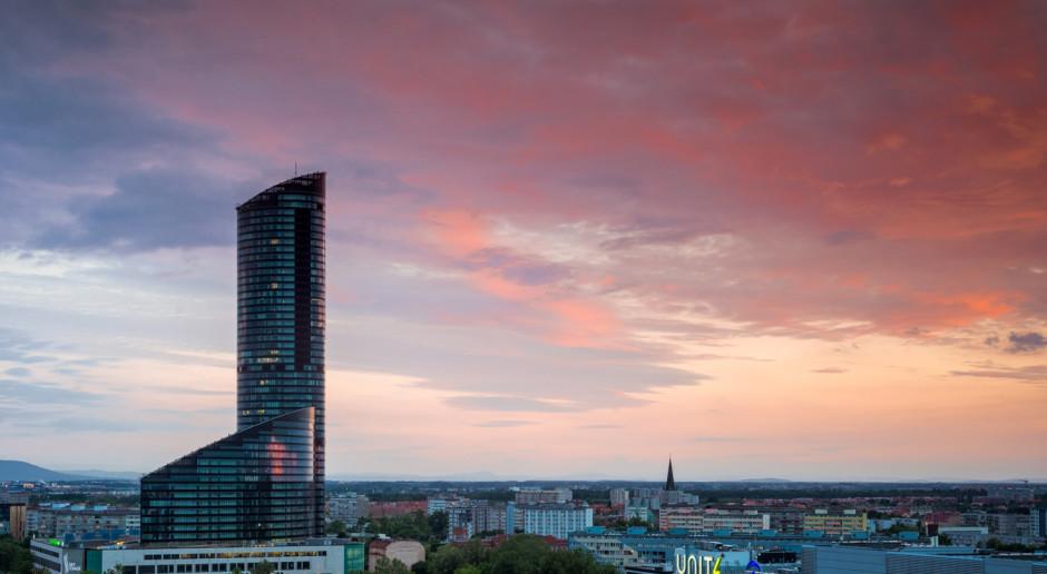 Biura ponad 100 metrów nad ziemią w Sky Tower