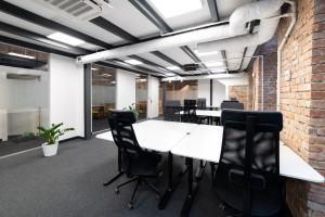 Zaglądamy do Cluster Cowork. To coworking w industrialnym stylu